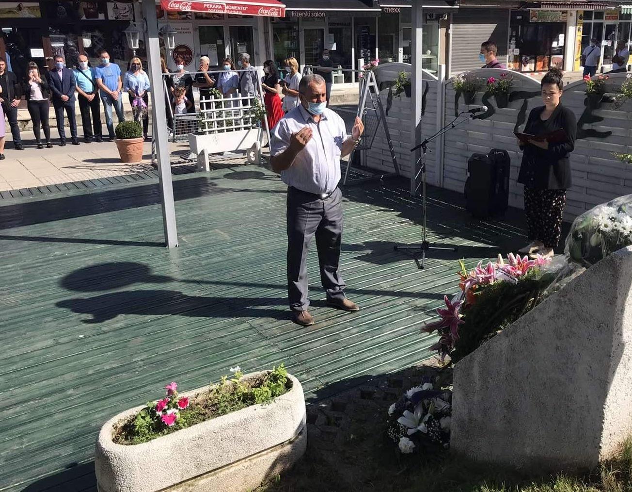 Obilježena 28. godišnjica masakra na Trgu solidarnosti: Ubijeni dok su čekali u redu za hljeb